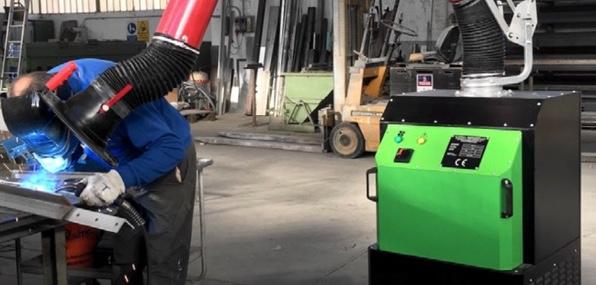 I fumi di saldatura sono pericolosi, soluzione con depuratore mobile carrellato